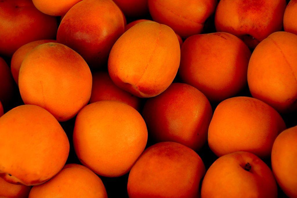Frutta fresca a primavera
